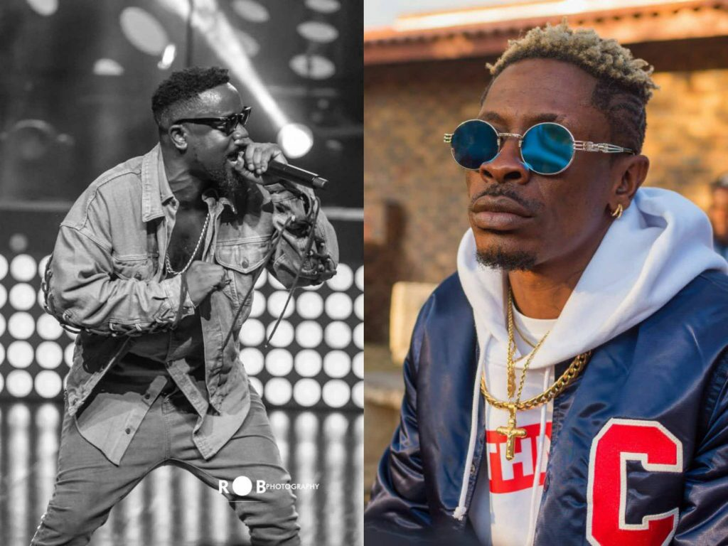 Sarkodie in trouble as fans raise insults on him after Shatta Wale's Reign album reached No 6 on Billboard World Chart .