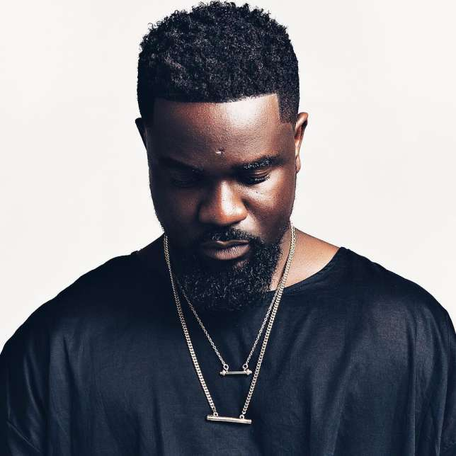 Not Releasing records is part of my flaws - Sarkodie apologizes