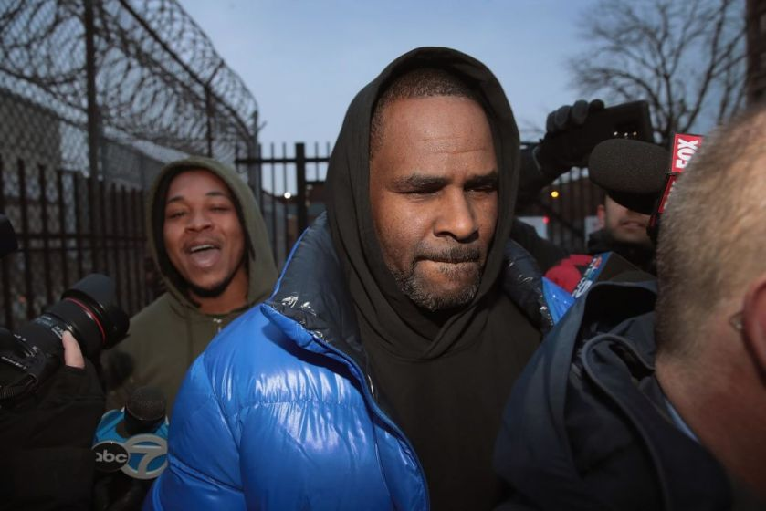 R. kelly in police custody on federal sex trafficking charges
