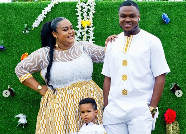 Beautiful Ghanaian Actress, Vivian Jill Lawrence has heavily descended on USA based Ghanaian Evangelist, Kwame Addai for allegedly alluding that she sleeps with her eldest son, Prempeh and he is even the father of her second son, Alfie.