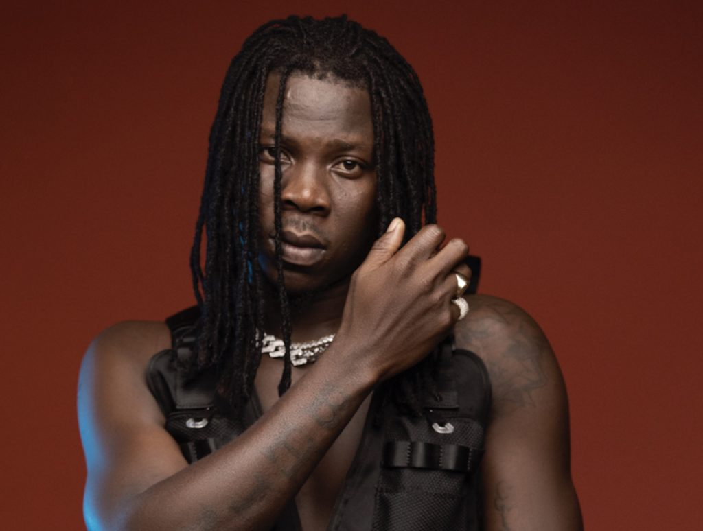 Stonebwoy replies a fan who says his 'Putuu' song is trash